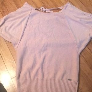Short sleeved pink sweater